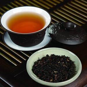 秋天喝乌龙茶,可以减肥解油腻