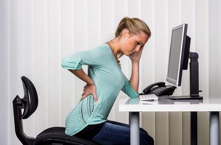 利用精油缓解腰痛、肩酸