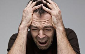 偏头痛难倒科学家中医刮痧来帮你