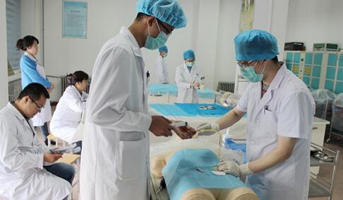 中央财政支持为中西部免费培养本科医学生