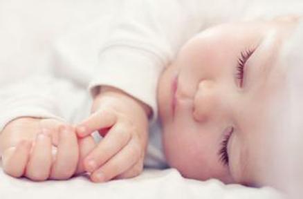 1~2岁:培养宝宝安静入睡