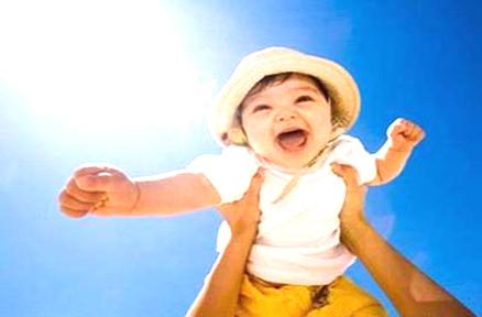 2~3岁:让宝宝进行日光浴