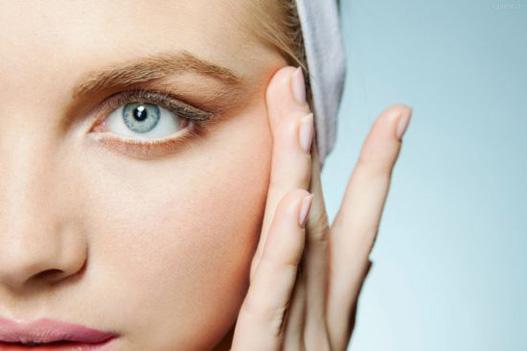 月经期间去瘀,可改善黑眼圈