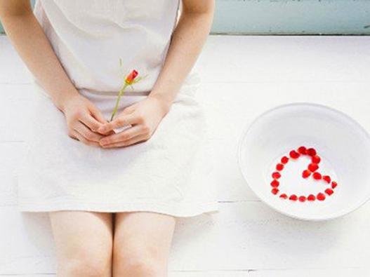 月经出现哪些症状要去检查