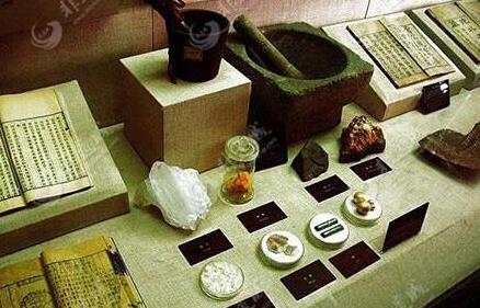 中医药首次列入国家公布的非物质文化遗产