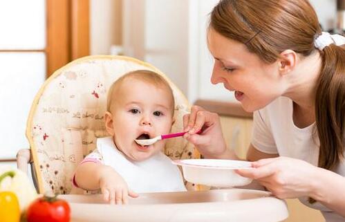 0-1岁宝宝喂养的九大误区 你注意到了吗?