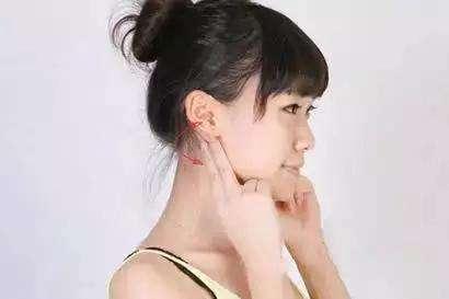 十八种耳面部运动养生的方法