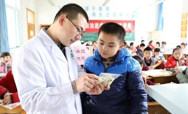 """山东邹平县社区卫生服务中心开展""""防流感健康普及进校园""""活动"""