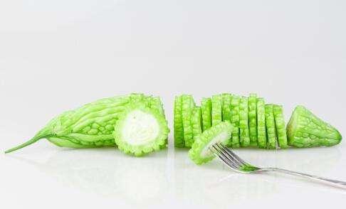 吃什么排毒祛痘 果蔬汁与果蔬有效祛痘养颜