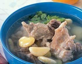 川萆解扁豆猪骨汤