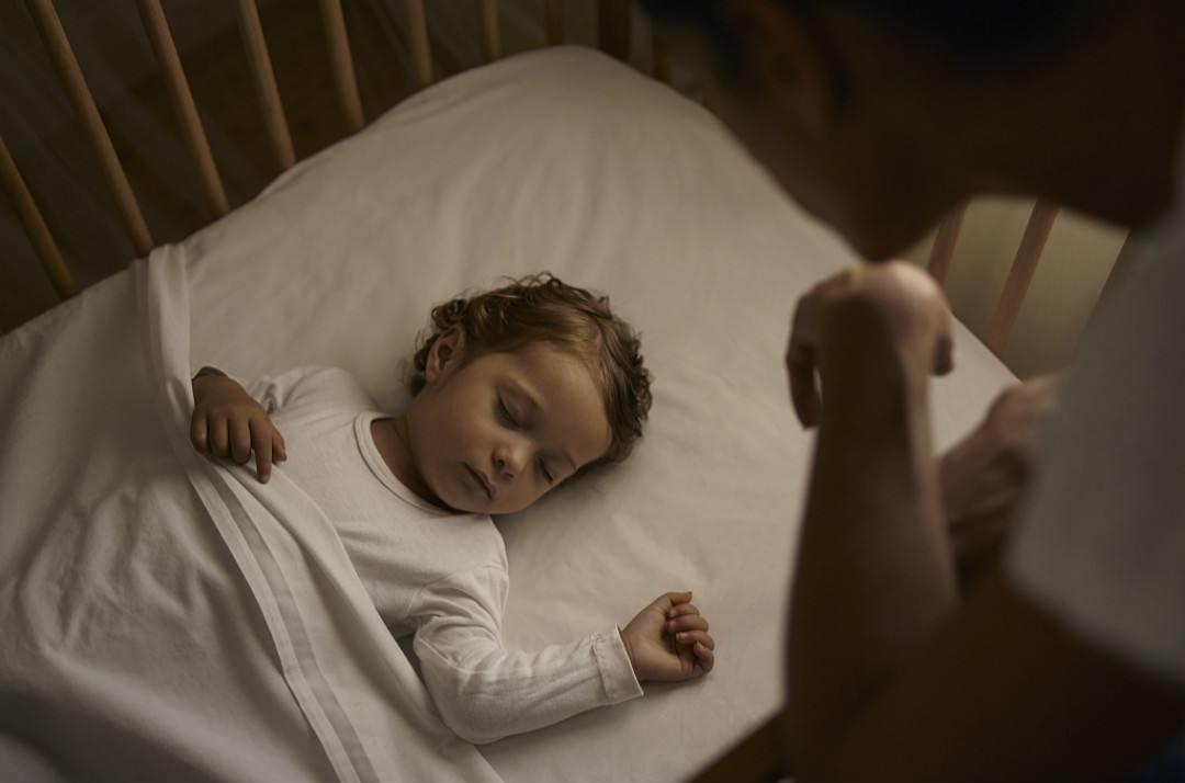 新手爸妈警惕新生儿护理的8误区