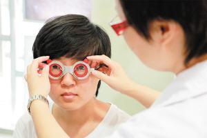 孩子近视需要配眼镜家长应该注意什么