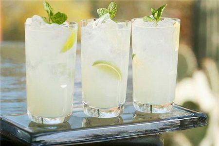 柠檬水兼具美白与排毒减肥功效