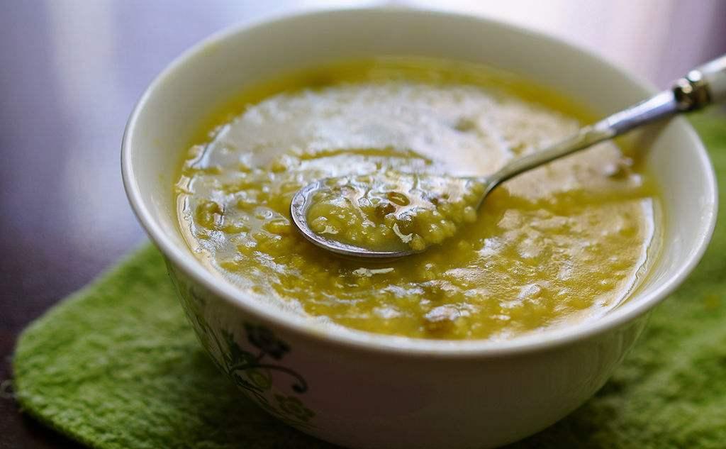小米绿豆粥 是可以清热解毒的