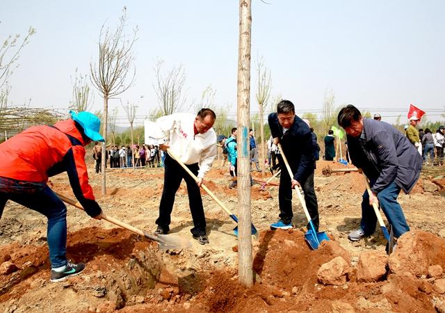 国家中医药管理局组织局机关及直属单位开展绿化活动