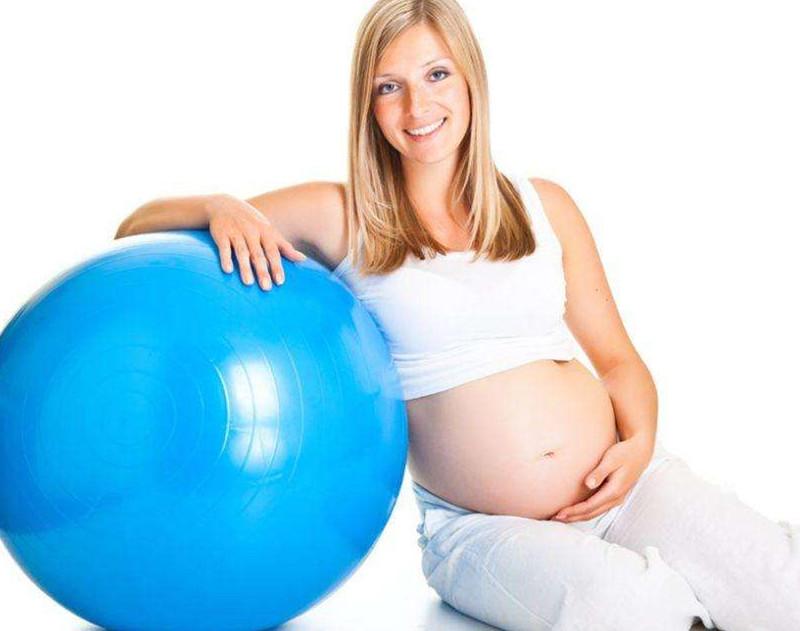 怀孕期的女性应适度运动
