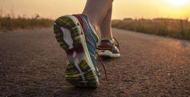 如何挑选运动鞋
