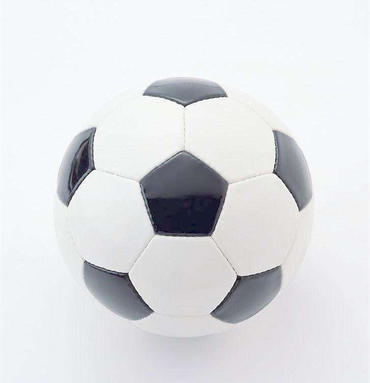 深受大众喜爱的足球运动