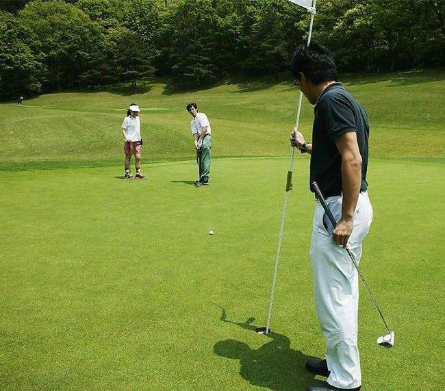 高尔夫球场空气清新