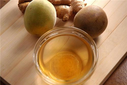 清凉解暑的罗汉果荔枝茶