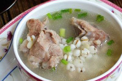 儿童补钙食谱薏米骨头汤