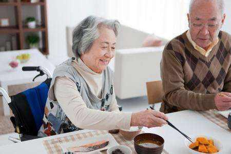 中老年保健五要素:三餐不挨饿