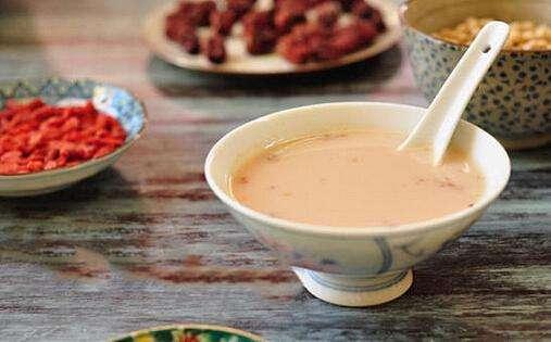 红枣枸杞豆浆安神又补肾