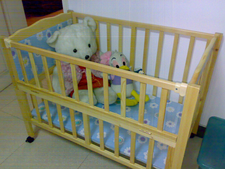 宝宝多趴好处多 如何训练宝宝趴着玩