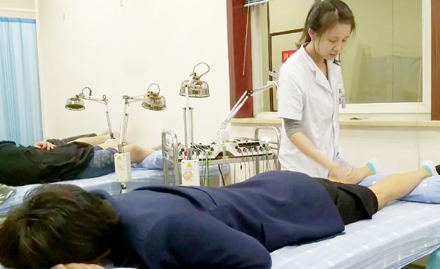 重庆市中医骨科医院用非药物疗法治疗筋伤疾病