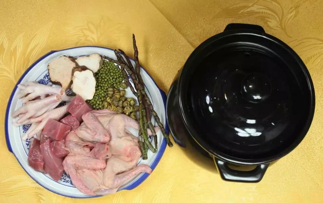 石斛绿豆煲乳鸽汤